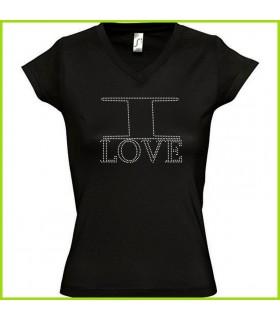 Joli tee shirt avec strass ou est noté I Love en strass