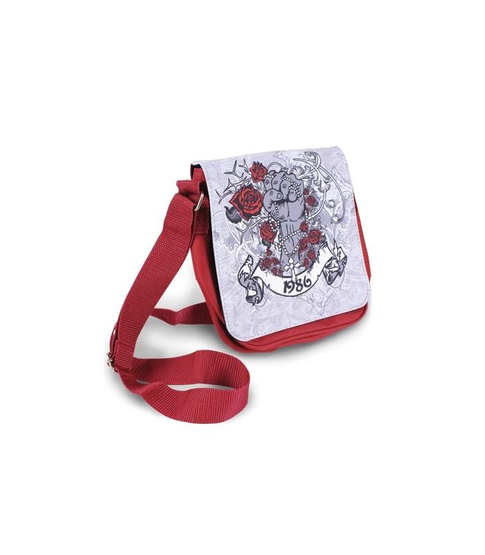 Un sac rouge personnalisé avec une photo