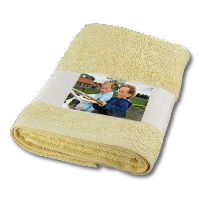 drap de bain photo couleur jaune personnalis cadeau naissance moins cher. Black Bedroom Furniture Sets. Home Design Ideas