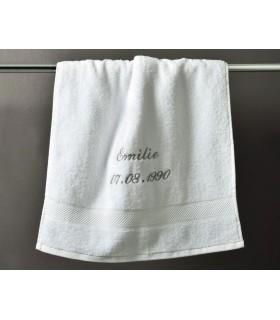 Linge de toilette brodé blanc