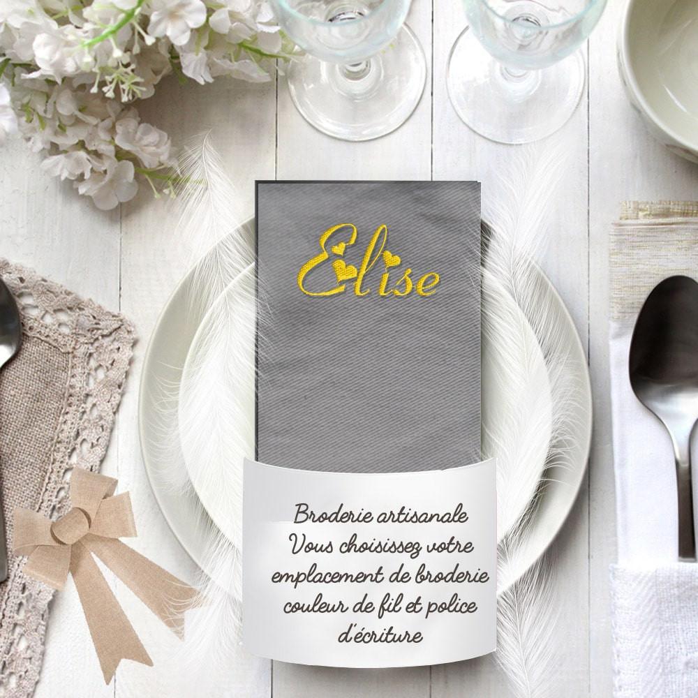 Serviette de table gris clair brodée