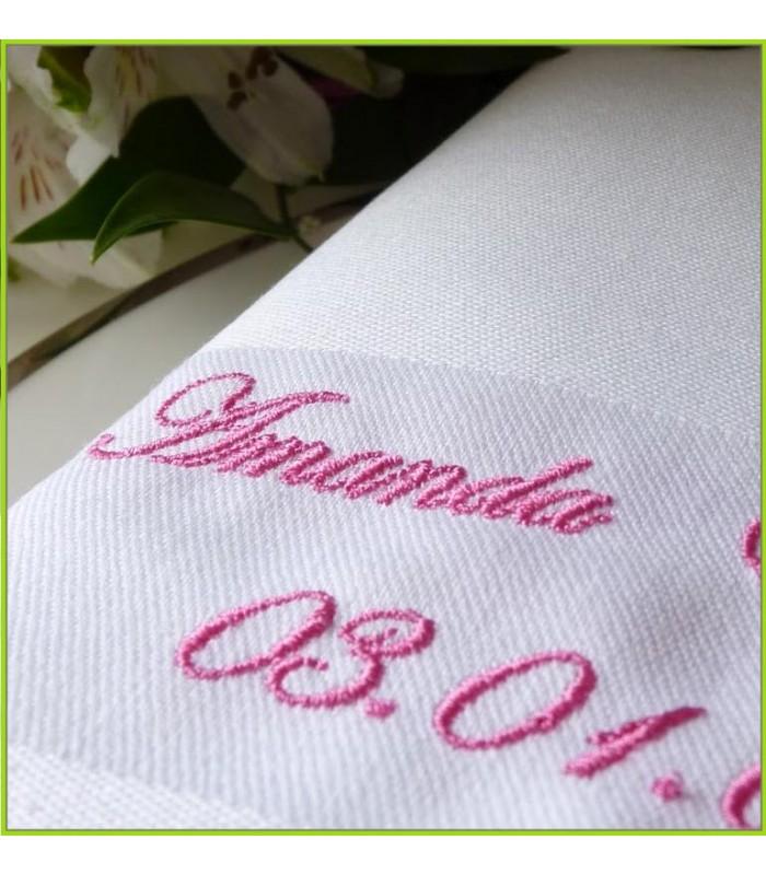 serviette de table brodée date