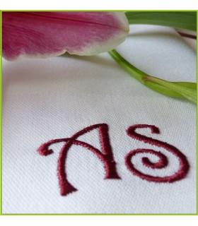 serviette de table brodée avec initiales