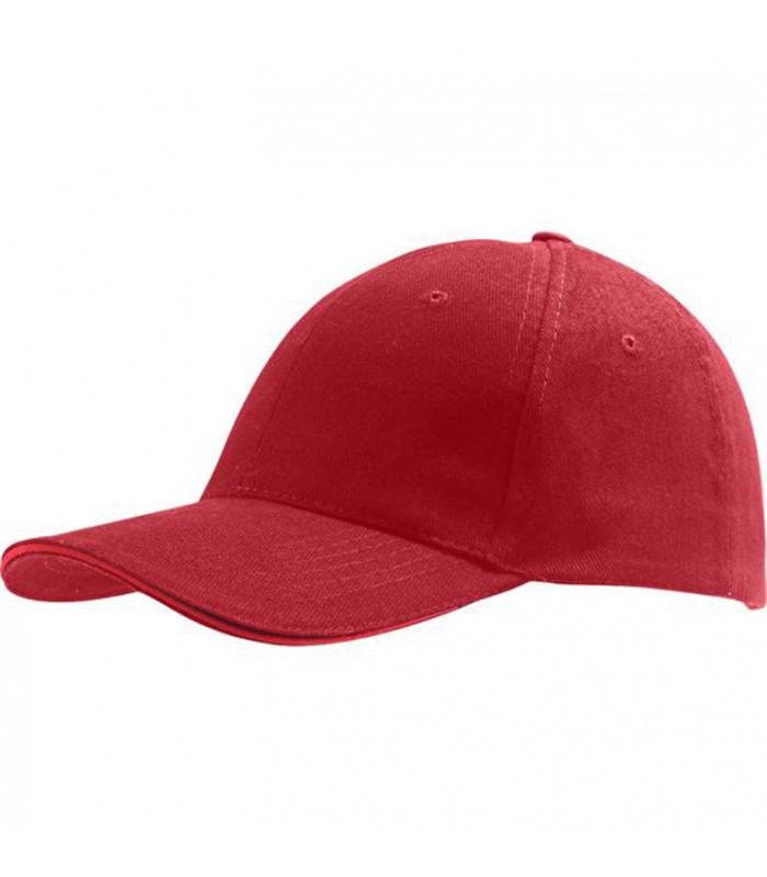broderie personnalisée sur une casquette rouge